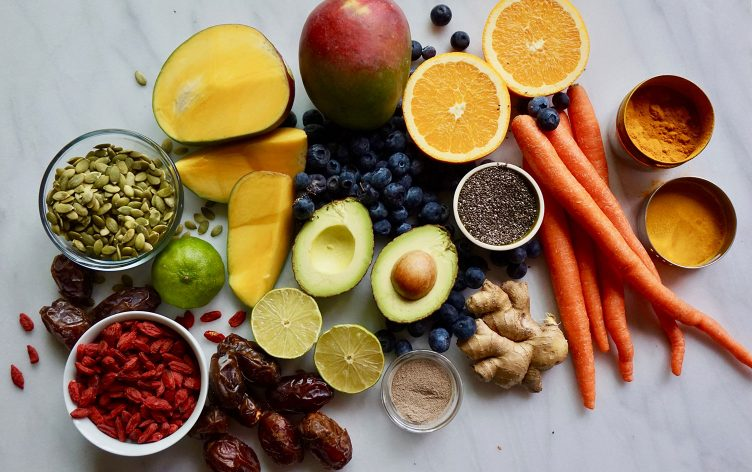 10-Easy-Healthy-Eating-Resolutions-752x472.jpg
